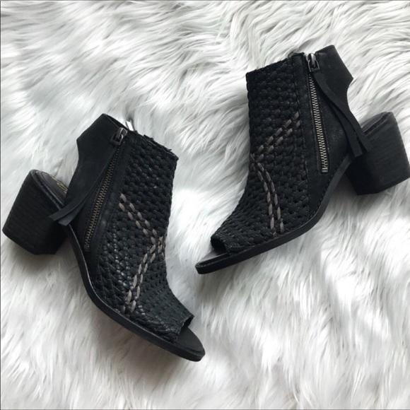 Sam Edelman bootie leather woven EUC